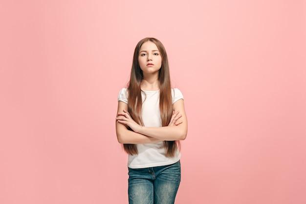 Giovane ragazza teenager triste premurosa seria