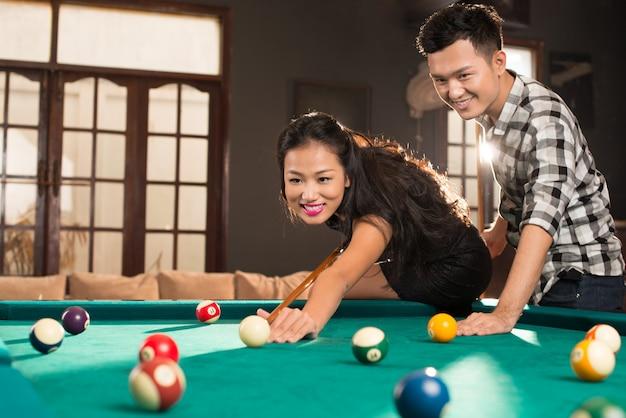 Giovane coppia vietnamita