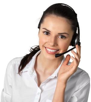 Giovane donna con cuffie, call center o concetto di supporto