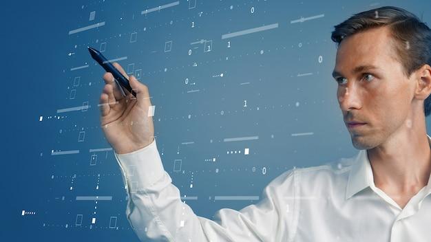 Giovane donna che lavora con l'interfaccia virtuale. ingegnere-tecnologo. gestione delle imprese industriali.