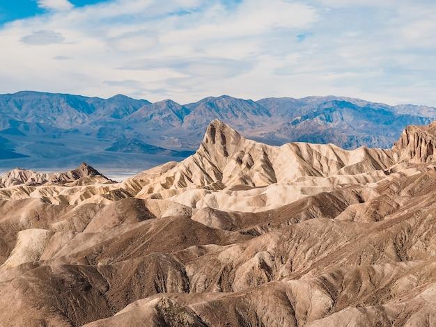 Zabriskie point nel parco nazionale della valle della morte in california, stati uniti