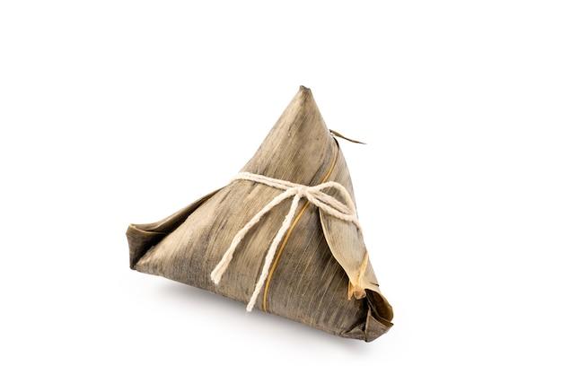 Zongzi, gnocco di riso - concetto di design del famoso cibo in duanwu dragon boat festival, vicino, tracciato di ritaglio, ritagliata, isolato su sfondo bianco
