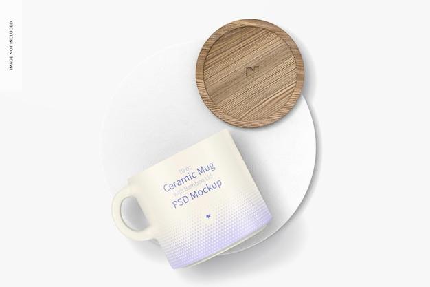Tazza in ceramica da 10 once con coperchio in bambù mockup