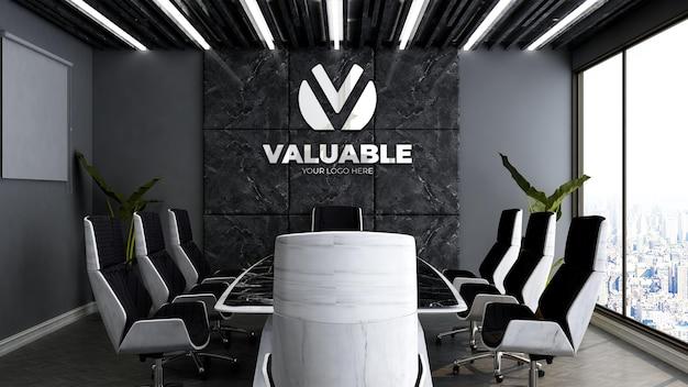 Modello 3d del logo aziendale nella sala riunioni dell'ufficio di lusso