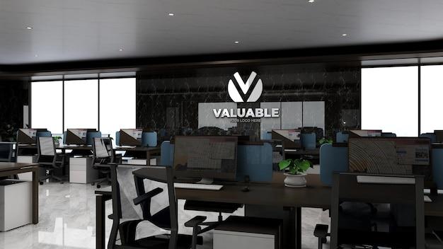 Modello 3d del logo aziendale nell'area di lavoro dell'ufficio di lusso