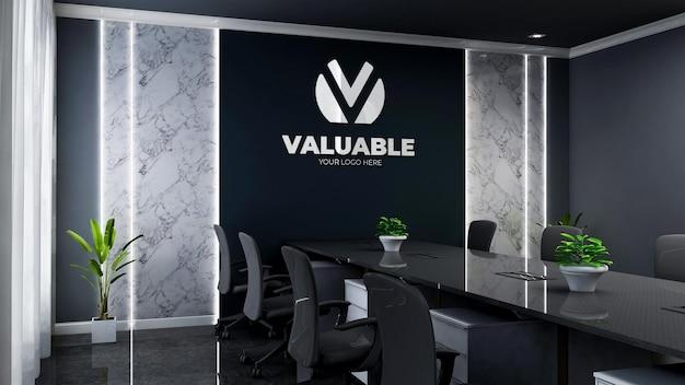 Modello 3d del logo aziendale nella moderna sala riunioni dell'ufficio nero
