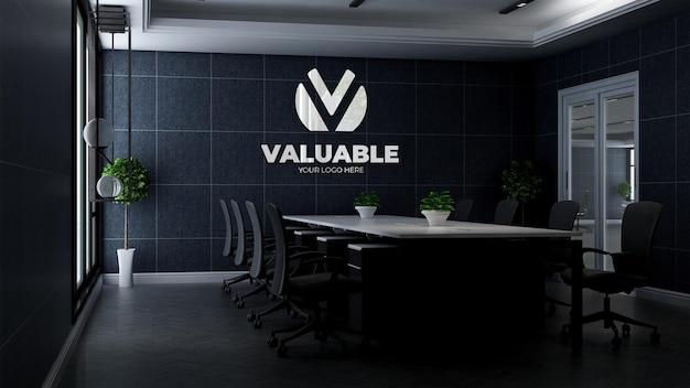Modello 3d del logo aziendale nella moderna sala riunioni dell'ufficio
