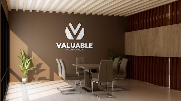 Modello di logo 3d nella sala riunioni dell'ufficio con parete marrone
