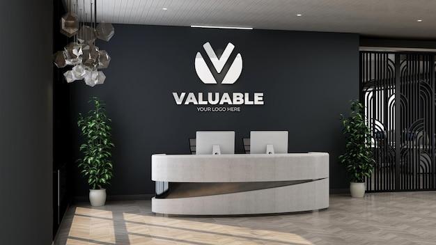 Il mockup del logo 3d firma nella stanza dell'ufficio dell'hotel al coperto dell'addetto alla reception
