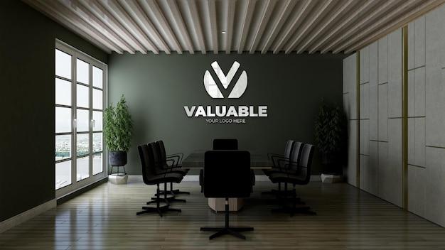 Modello di logo 3d con riflesso nella sala riunioni dell'ufficio con parete verde