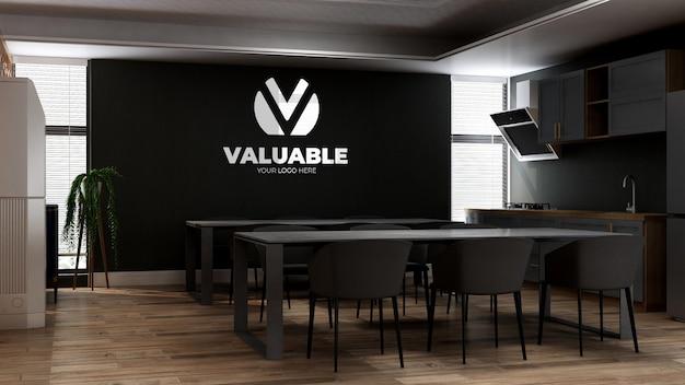 Modello di parete con logo 3d nella cucina dell'ufficio