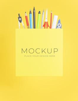 Poster di rendering 3d con il concetto online di ritorno a scuola per la visualizzazione del tuo prodotto