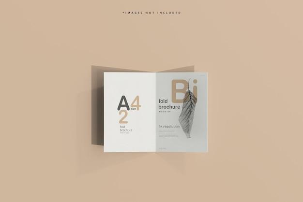 Mockup di brochure pieghevole in formato a4