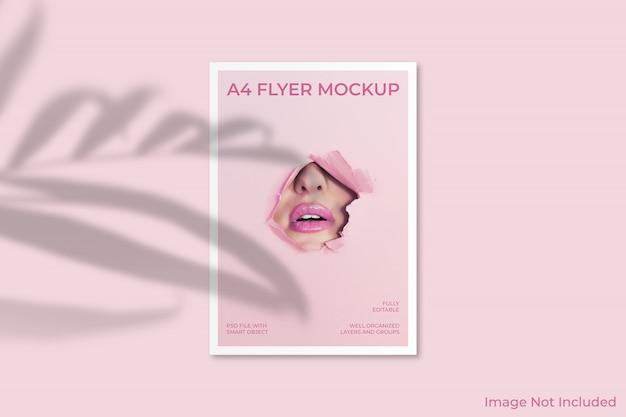 Mockup di brochure volantino a4