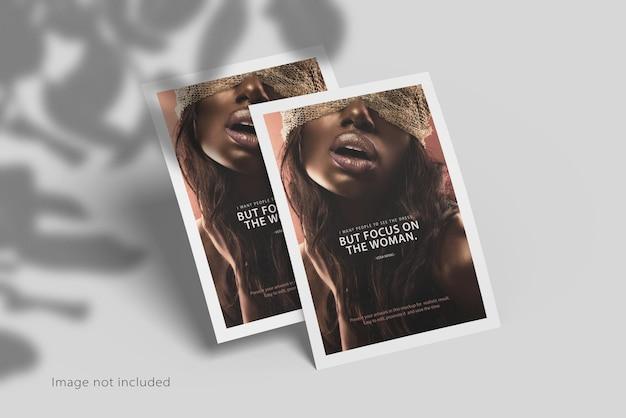 Mockup di poster volantino a4 con ombra