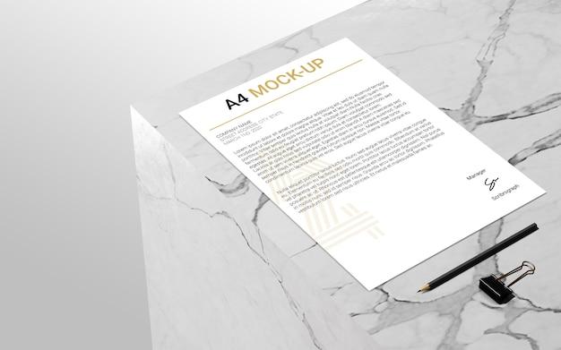 Mock-up di pagine a4 su marmo