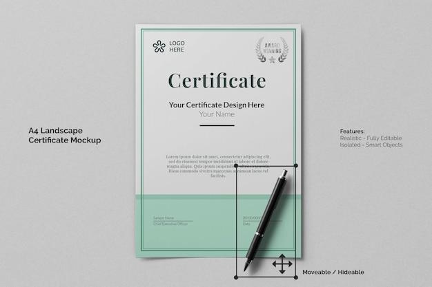 Modello realistico di certificato di educazione del ritratto a4 con carta ruvida e penna per la firma