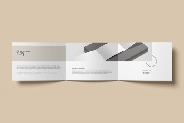 A5 paesaggio trifold brochure mockup top angle view