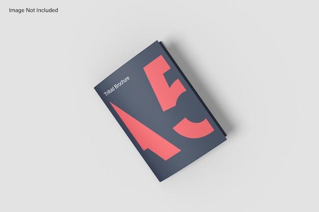 Mockup di brochure a tre ante a5