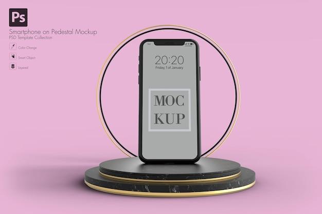 Mockup di smartphone geometrico astratto nella rappresentazione 3d
