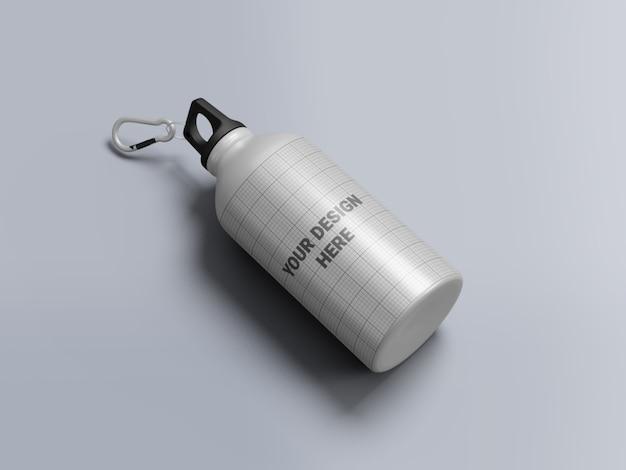 Bottiglia di acqua in alluminio mockup isolato
