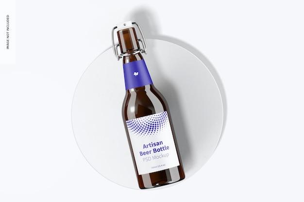 Mockup di bottiglia di birra artigianale, vista dall'alto