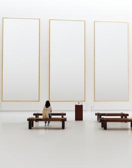 Pubblico che gode della mostra d'arte