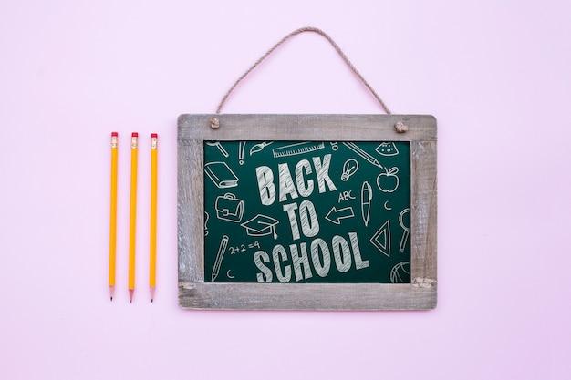 Ritorno a scuola lavagna mockup