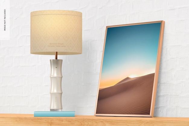 Lampada da tavolo in ceramica a forma di bambù con cornice mockup