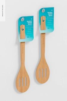 Mockup di cucchiai di bambù scanalati, da appendere al muro