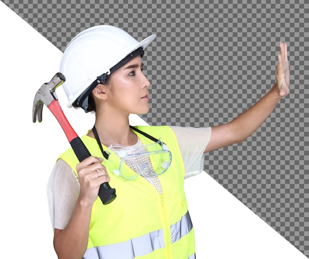 Bella donna asiatica architetto ingegnere in elmetto bianco, sicurezza vasta, occhiali protettivi occhiali e martello, carta struttura blueprint, sfondo bianco studio isolato