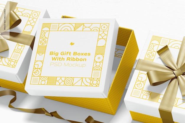 Grandi scatole regalo con nastro set mockup
