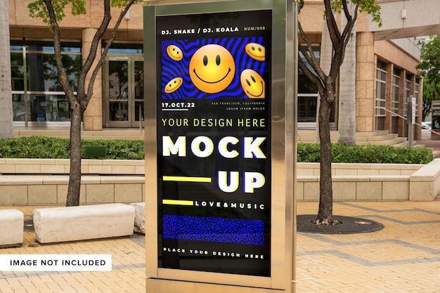 Mock up di cartelloni pubblicitari per strada