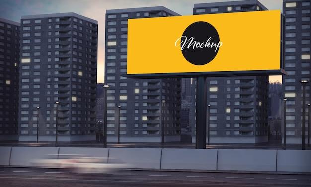 Tabellone per le affissioni di notte della città mock up