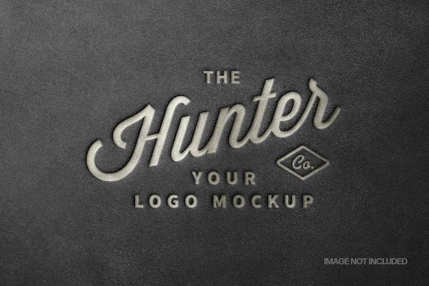 Mockup logo con stampa in pelle nera