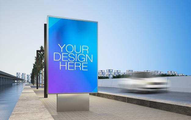 Tabellone per le affissioni in bianco sulla pubblicità della strada principale sul modello della rappresentazione 3d della città