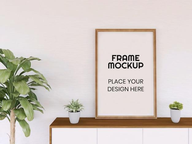 Blank photo frame mockup sulla scrivania