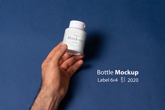 Mockup bianco bianco piccola bottiglia