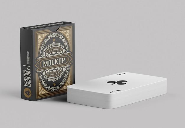 Scatola con mockup di carte da gioco