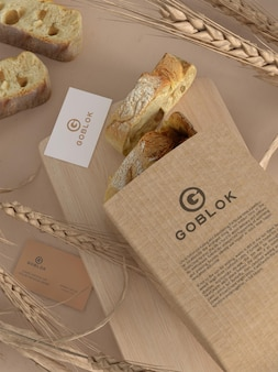 Mockup di confezione di pane con biglietto da visita