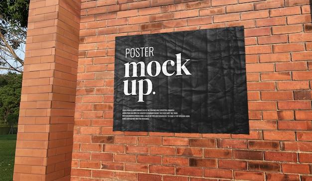 Mockup di poster di muro di mattoni