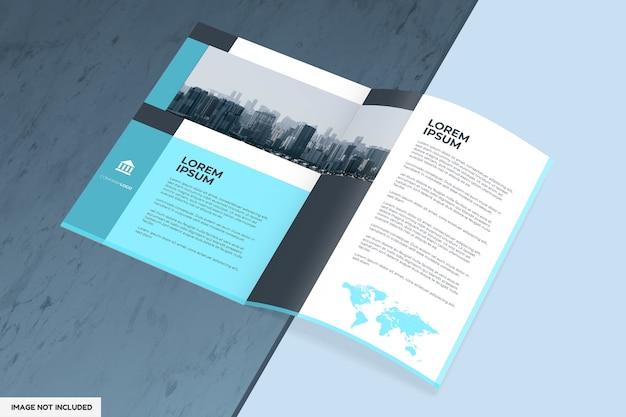 Mockup di brochure o rivista con vista prospettica