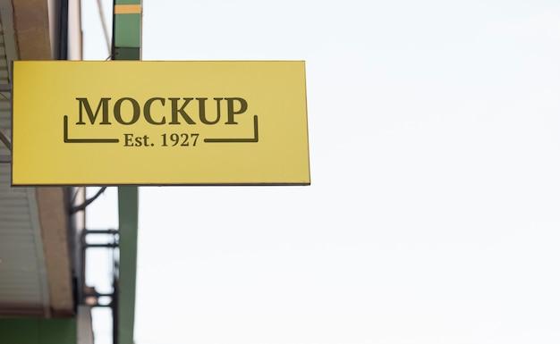 Modello di cartello aziendale all'esterno