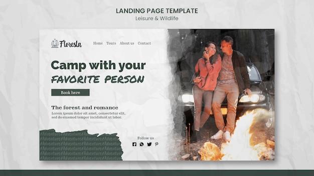 Modello di pagina di destinazione del campeggio Psd Premium