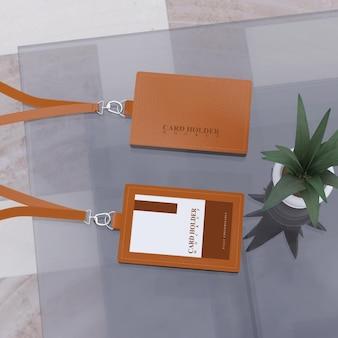 Mockup di porta carte per carte d'identità con skin realistiche