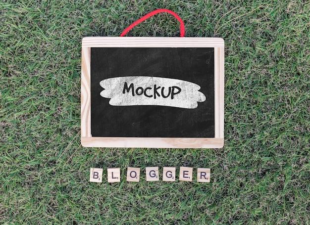 Mock-up di lavagna per blogging vista dall'alto