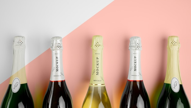 Bottiglie di champagne con mock-up