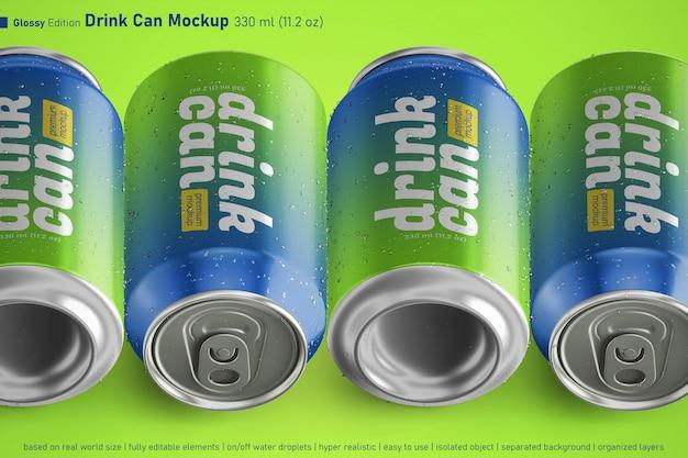 Mockup da 330 ml modificabile con quattro bicchieri di soda in alluminio lucido a riposo realistici