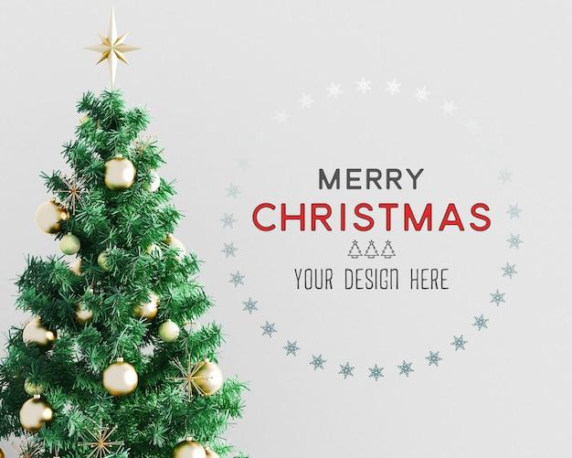 Decorazione natalizia con albero di natale e mockup di carta da parati