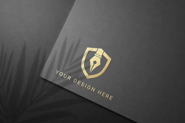 Primo piano sul design del mockup del logo aziendale